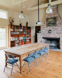Mabel Dodge's Studio at the Norman Bird Sanctuary in Middletown, RI. Architecture by Foster Associates. Photographed by Caroline Goddard for Hope State Style, November 2018. All rights reserved.